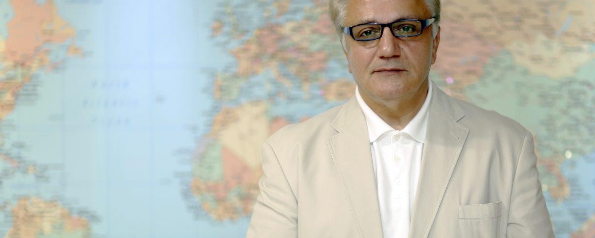 معلم: تفکیک جشنواره فجر آسیب های جدی بر پیکره این رویداد سینمایی وارد ساخت